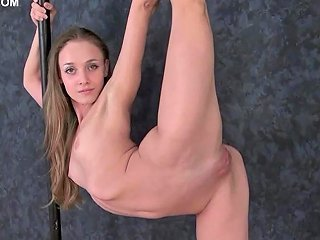 PornHub Porno - Flexible Girl Gimnastica Ritmika Margo In Erotic Stretch Show 4