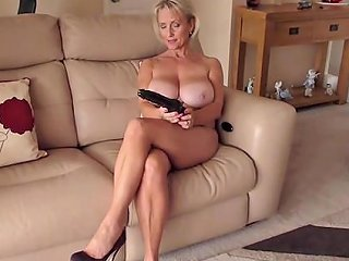 AnyPorn Porno - Solo Babe Michelle Drills Her Wet Cunt With A Long Dildo Any Porn