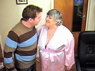 NuVid Porno - 80 Year Old Grandmalibby And The Odd Job Man Nuvid