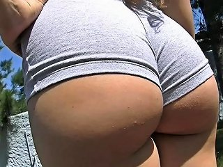 BravoTube Porno - Bubble Butt Teen Working Out Cameltoe And Big Boobs