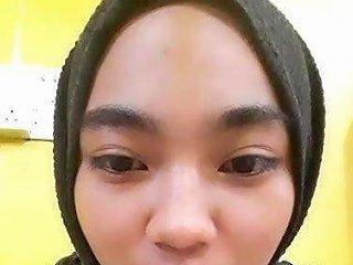 XHamster Porno - Malay Awek Tudung Hitam