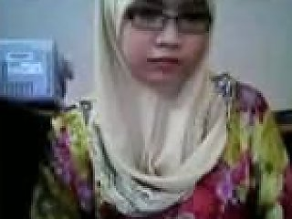 MyLust Porno - Nerdy And Slutty Malay Hijab Webcam Nympho Flashed Her Big Titties